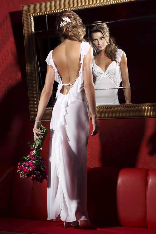 1e6d57e9d De beleza incomum e diversos toques de alta sofisticação essa coleção  revela a Bella Diva que existe em toda mulher.